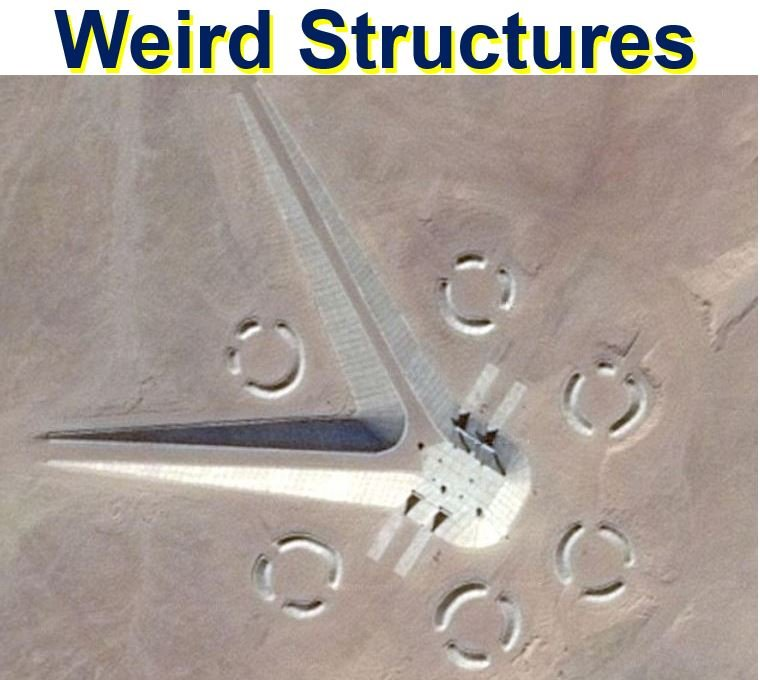 Mysterious structures in Egyptian desert