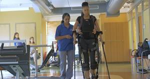 robotic exoskeleton Ekso GT - credit Ekso Bionics