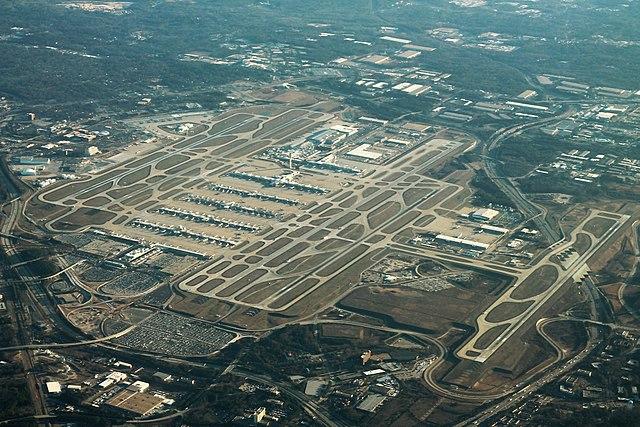 640px-Atlanta_Airport_Aerial_Angle_(31435634003)_(2)