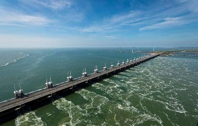 Tidal Power - Oosterscheldekering foto RWS