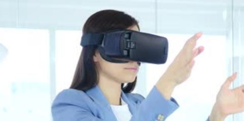 Virtual and augemented reality thumbnail