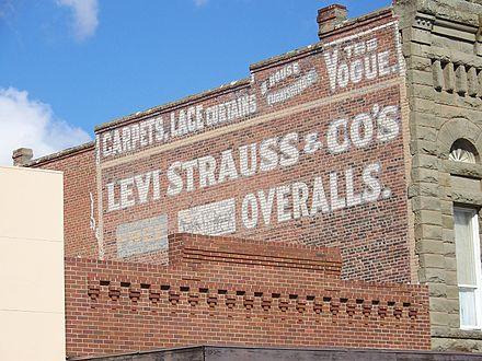 440px-Levi_Strauss_sign