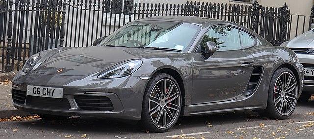 640px-2018_Porsche_718_Cayman_S_S-A_2.5_Front