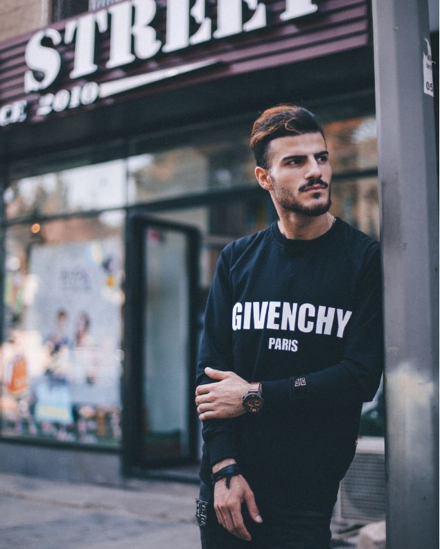 Rebrand fashion business - image 1