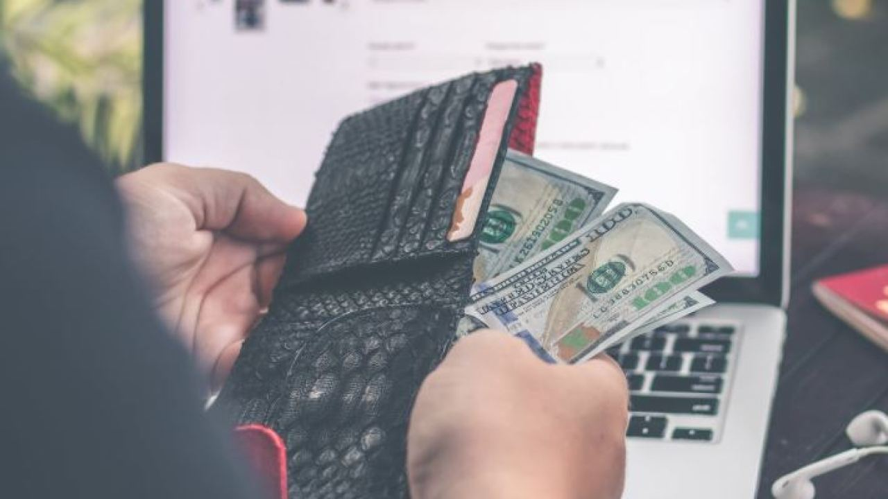 Top 3 Apps for Stopping Overdraft Fees - Market Business News