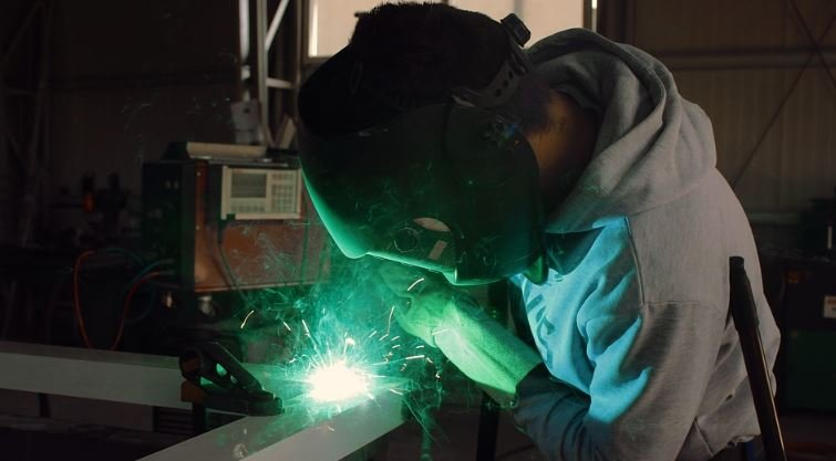 Become a welder image 1111