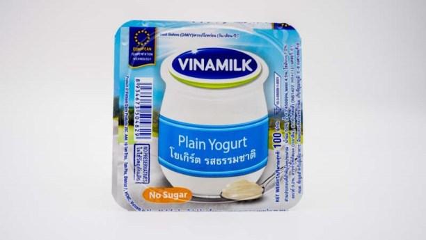 โยเกิร์ตรสธรรมชาติ ( Plain Yogurt ) ตัวชูโรงของแบรนด์วินามิลค์ เป็นโยเกิร์ตรสธรรมชาติ ด้วยวิธีการหมักโดยวิธีธรรมชาติ ไม่มีวัตถุกันเสีย และไม่มีส่วนผสมของสารกันบูด ใด ๆ จึงได้รสชาติที่มาจาก นม และ ไม่มีส่วนผสมของน้ำตาล เหมาะสำหรับ ผู้ที่ต้องการควบคุมน้ำตาล และ ทานอาหารมังสวิรัติ
