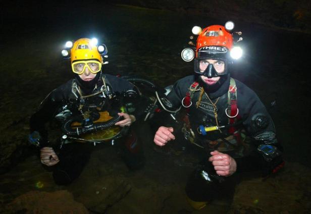 ช่วยทีมหมูป่า Brit Divers