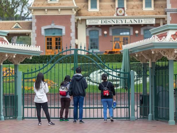 ปิดฮ่องกง Disneyland อีก 5
