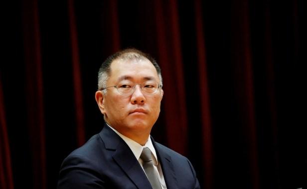 Chung Euisun Apple EV