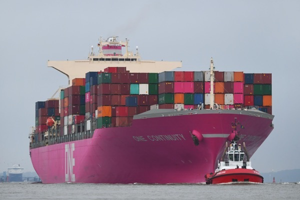 One Container Shipping Group calls Hamburg Port