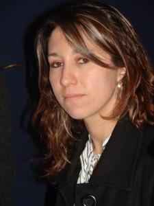 Ana Carolina Dominguez1