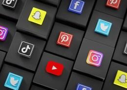 Choosing the right social media platform article header image of social websites