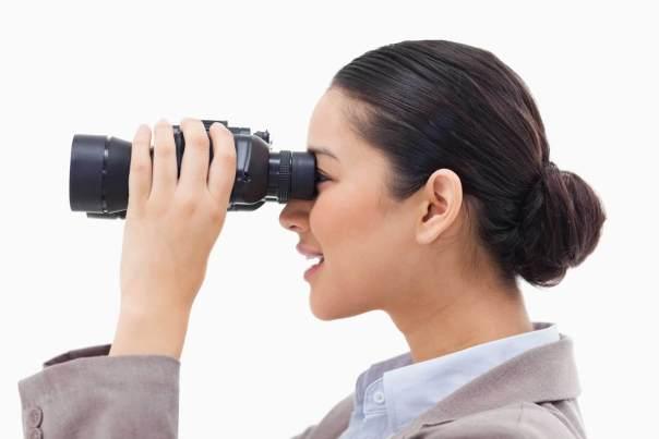 binoculars-woman-future-ss-1920