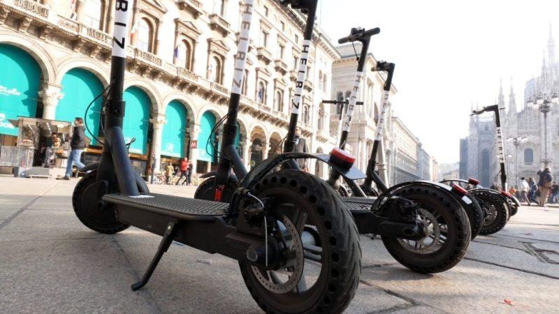 Questa immagine ha l'attributo alt vuoto; il nome del file è Helbiz-monopattini-bike-sharing-prova-gratis-inserendo-il-codice-1ZWUUZ-Buono-Sconto-2020-3€-bonus-5-1024x576.jpg