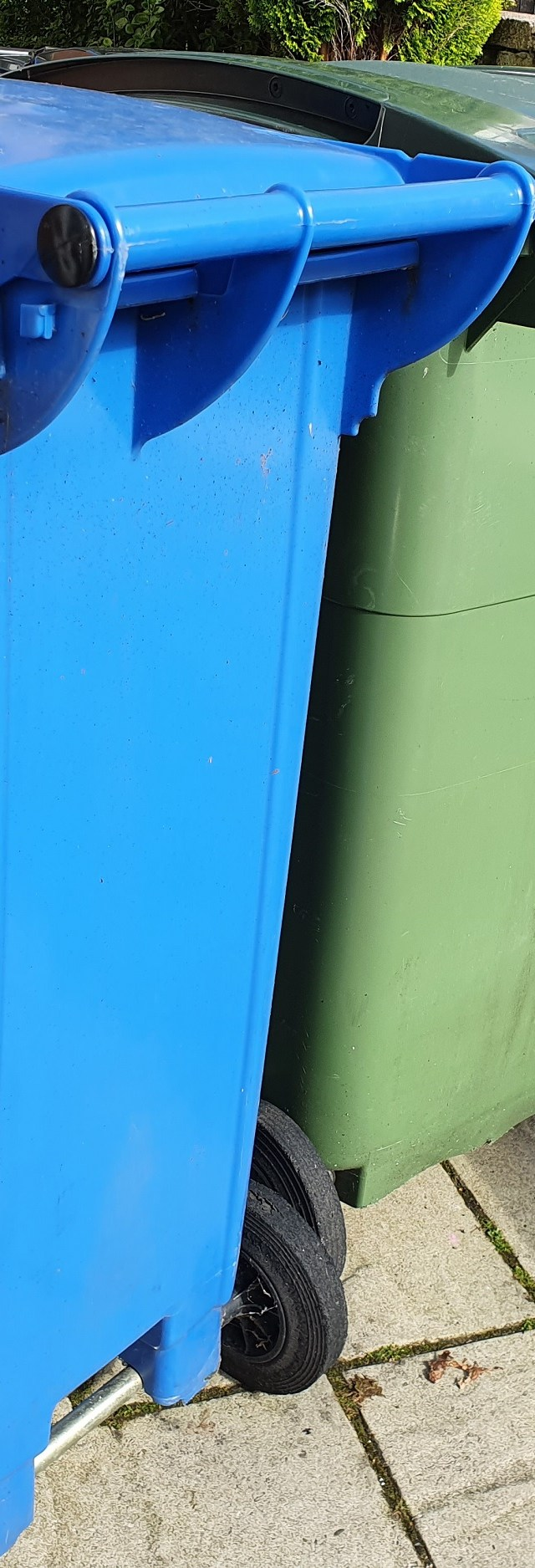 Fortnightly blue bin collections set to resume in Stockport
