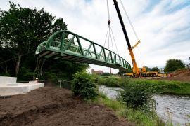 New bridge installed to improve walking and cycling routes into Stockport