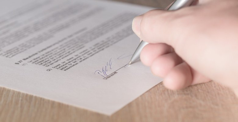 SAS Daniels guide to making a change to an employment contract
