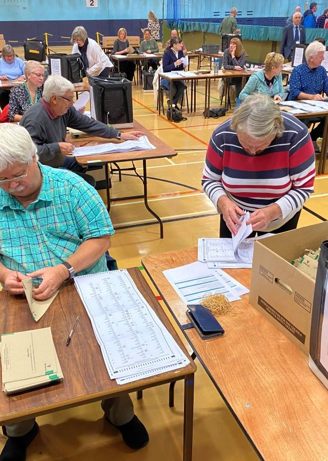 Stockport scrutineer administers island-wide voting for historic Guernsey election
