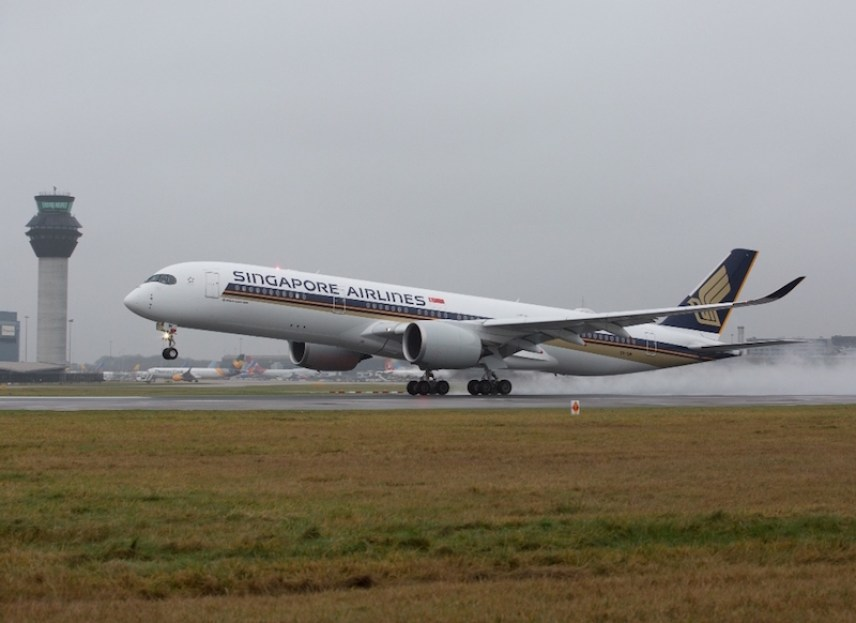 Singapore Airlines A350 takes off for Houston from Manchester Airport