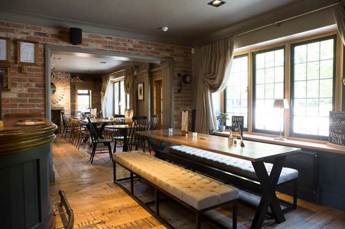 Inside the Royal Oak Cheadle