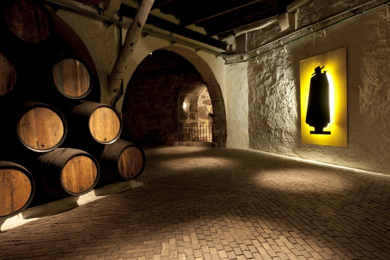 caves sandeman best wine tourism 2019