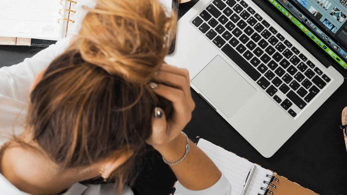 cuales-son-los-sintomas-de-estrés-laboral