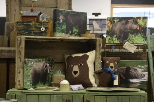 Market Junction and the Cozy Cup Cafe The Front Room by Dale Barker Pattillo Canadian Wildlife Photography Wool Pillows Antiques Sculpting and Wood Carvings Cremona Alberta Explore Alberta Tourism Alberta