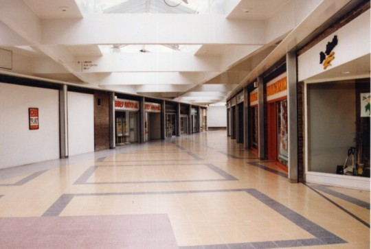 Deserted-Shopping-Mall-540x363