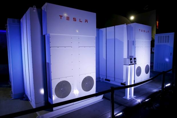 tesla-motors-batteries