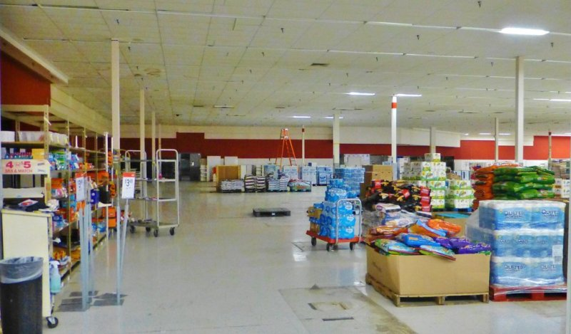 this-kmart-store-in-fremont-ohio-opened-in-1993-as-a-super-kmart-but-was-converted-to-a-regular-kmart-in-2011-now-it-appears-to-have-a-lot-of-empty-space