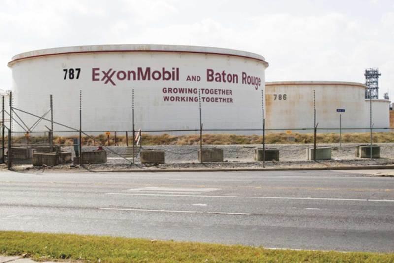 exxonmobil-refinery-in-bato