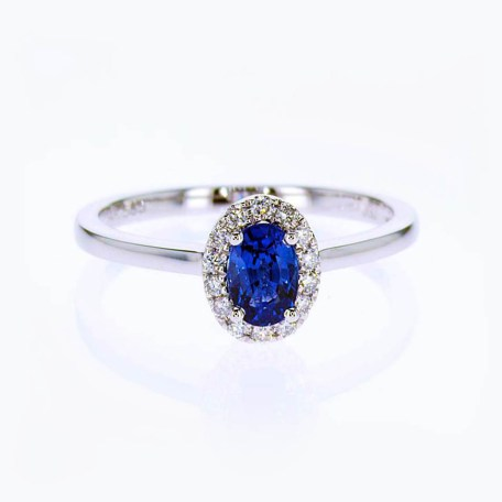 Blue Sapphire Halo Diamond Engagement Ring with Diamonds