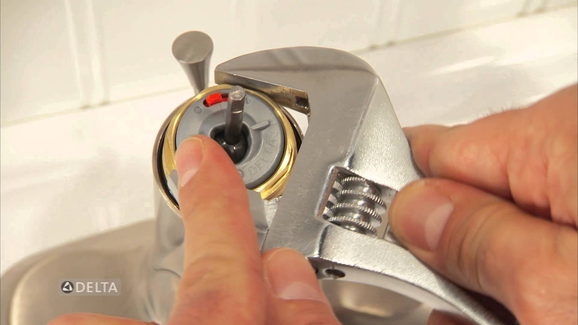 guidance to replace a kitchen faucet