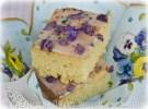 Zuckerkuchen mit kandierten Veilchen