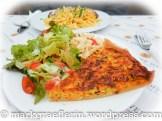Gemüse Quiche mit Salat