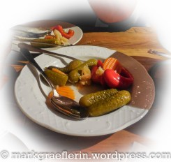 Mixed Pickles zum Chäsdfondue