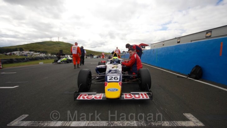 Luis Leeds at Knockhill 2016