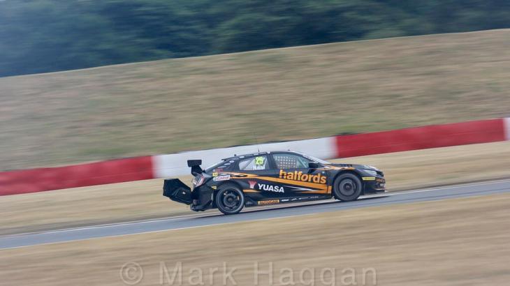 Matt Neal at Snetterton in BTCC 2018