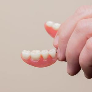 3 Ways to Prevent Loss of Taste When Getting Dentures