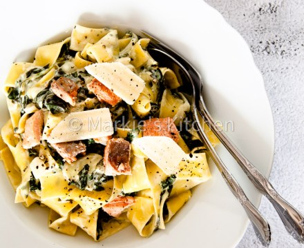 Quick And Delicious Pasta With Creamed Spinach And Salmon
