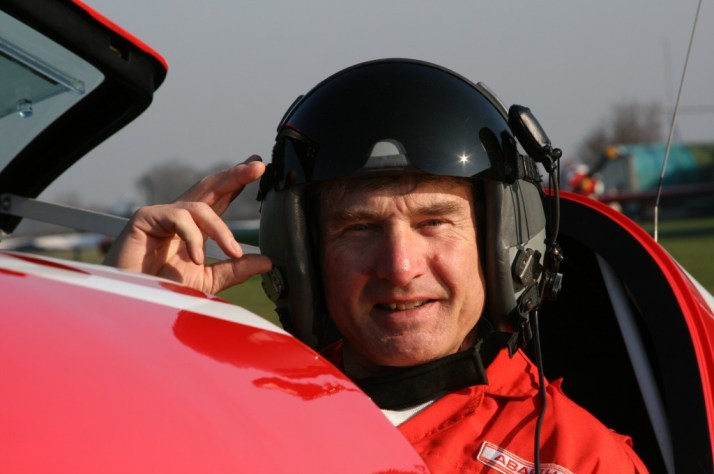 Mark Jefferies in the Extra 330sc