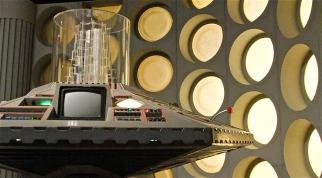 Doctor Who 80s Tardis