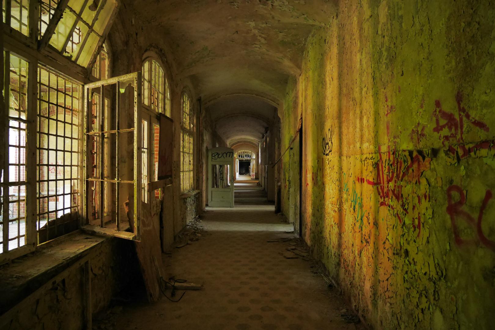 GERMANY, Beelitz-Heilstätten – Abandoned former sanatorium turn