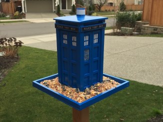 TARDIS Bird Feeder