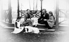 'Trouble Begins' Lecture Features Twain's Hartford Home
