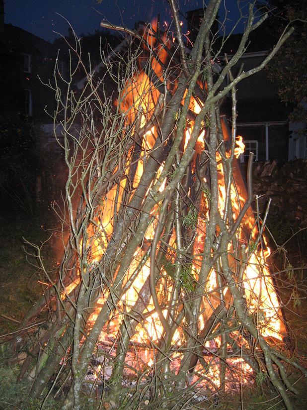 Bonfire at feast-618