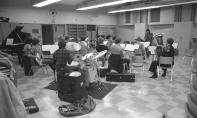 Bradford in the classroom -- Thatcher Music Building, Claremont Colleges -- February 1979 -- photo by Mark Weber