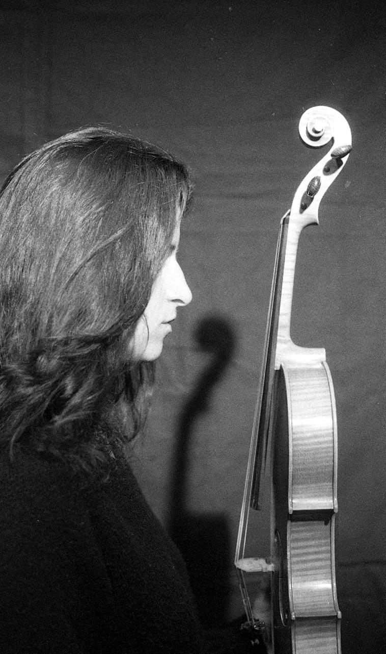 Alicia Ultan & her viola -- October 10, 1999 -- photo by Mark Weber