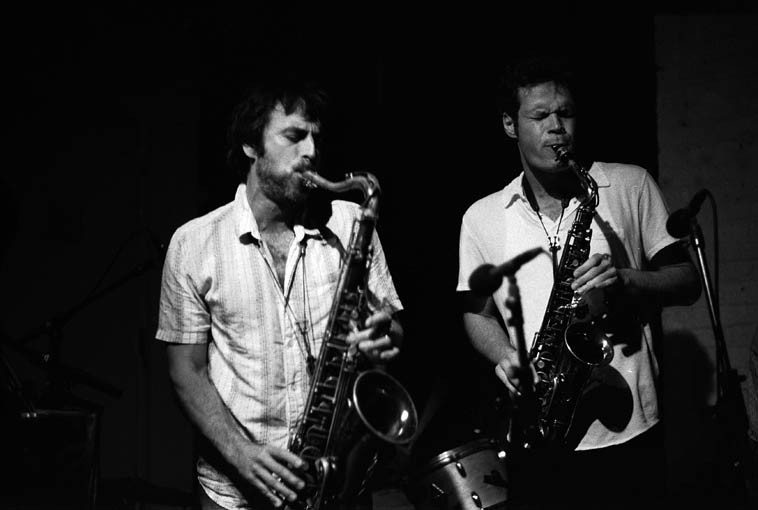 Lorenzo Sanguedolce & Nick Lyons -- August 19, 2o14 at The Stone in quintet formation with Connie -- These guys are deep into the world of long-lined lyric improvisation and mellifluous counterpoint -----  photo by Mark Weber -- as incredible as it seems but that tenor that Lorenzo is playing was Warne's horn( ! ) -- Nick is something of a saxophone historian & scholar and found it on EBay for Lorenzo: the legendary Selmer Mark VI serial number 56942 ----   Nick's alto is a Selmer Mark VI (circa 1956)